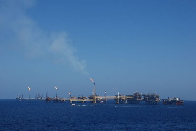 Carlos Slim's firm to build $317M offshore platforms for Pemex