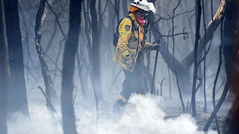 Winds fan ferocious fires in Australia's most populous state